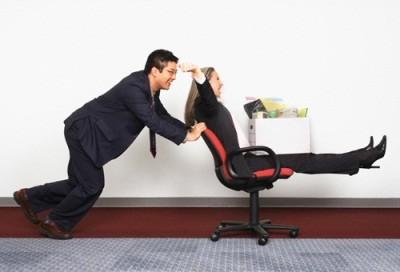В каких случаях работник может быть отстранен от работы