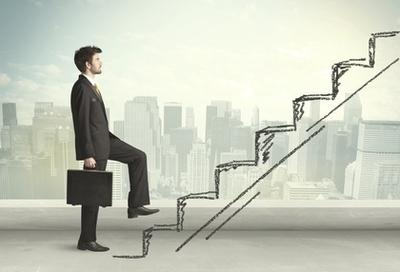 Обязан ли работодатель оформлять трудовую книжку нанимаемому работнику