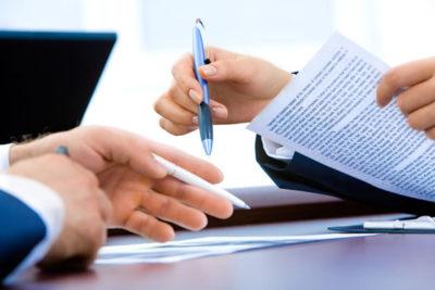 Изображение - Образец заявление о приеме на работу к ип podpisanie_dogovora_s_dvuh_storon_1_22203827-400x267