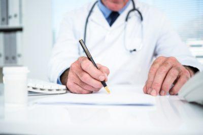 Периодический медосмотр и при приеме на работу: порядок проведения, каких врачей нужно пройти, перечень вредных факторов по профессиям, список контингентов